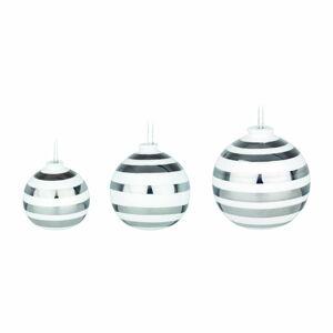 Sada 3 bílých keramických vánočních ozdob na stromeček s detaily ve stříbrné barvě Kähler Design Omaggio